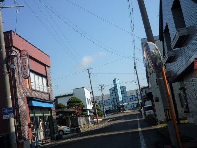 鹿渡駅 駅前