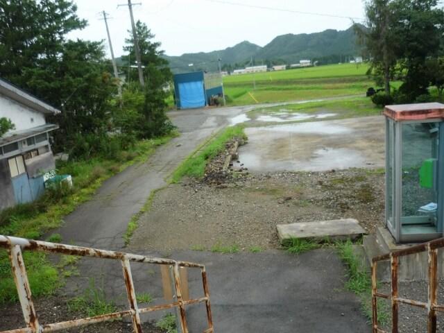 鑓見内駅 駅前
