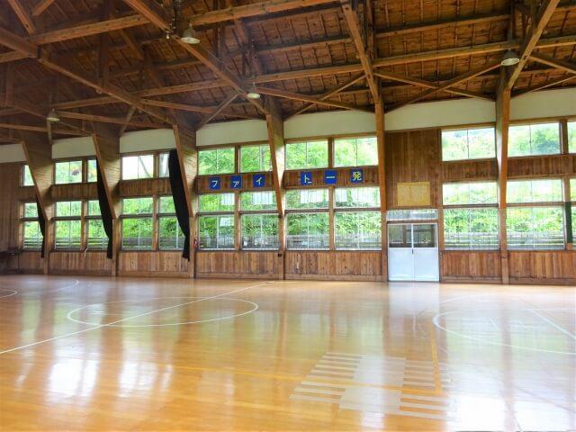 旧切石小学校 体育館